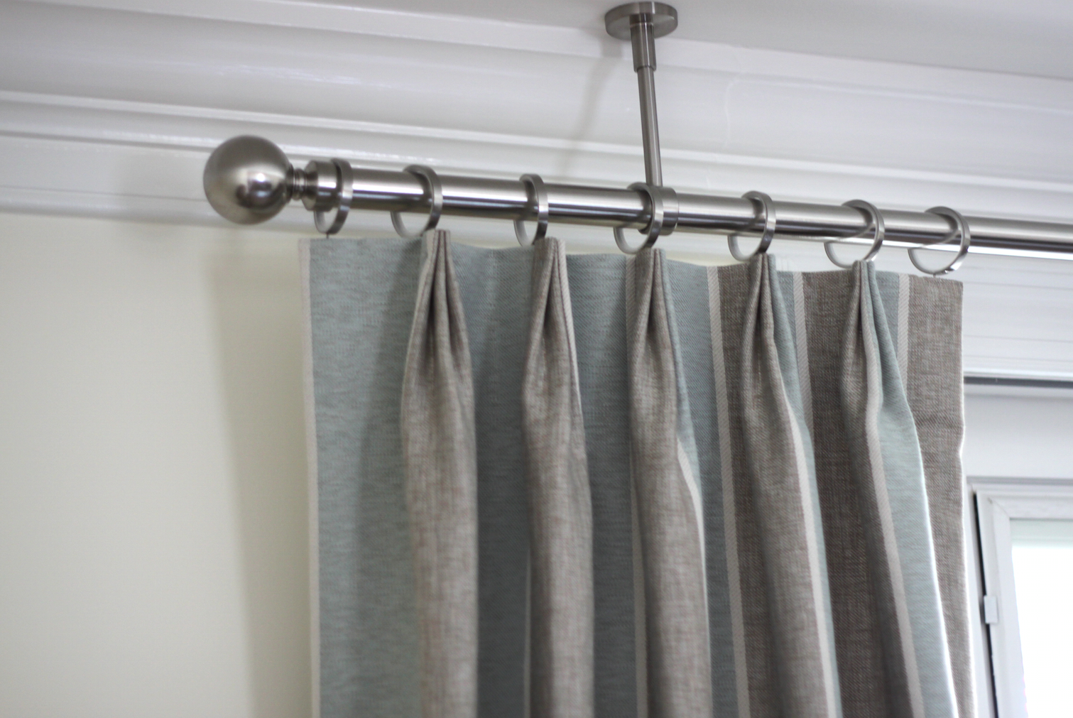 Ceiling mount curtain rod hangers curtains curtains from for Hardware for hanging curtains