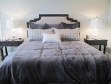 <h5>Custom Duvet & Pillows</h5>